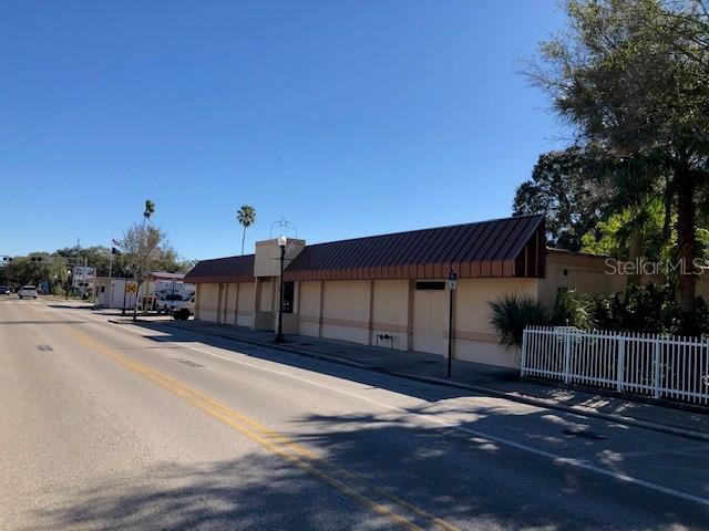 946 Main Street Property Photo