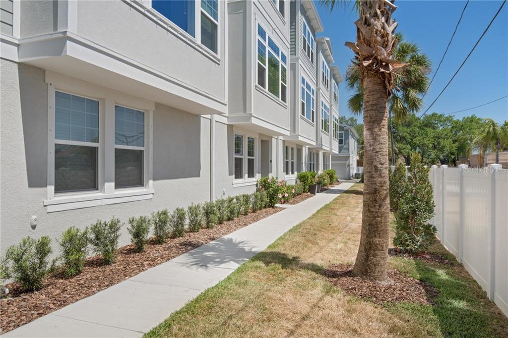 115 N ARRAWANA AVE #2 Property Photo - TAMPA, FL real estate listing