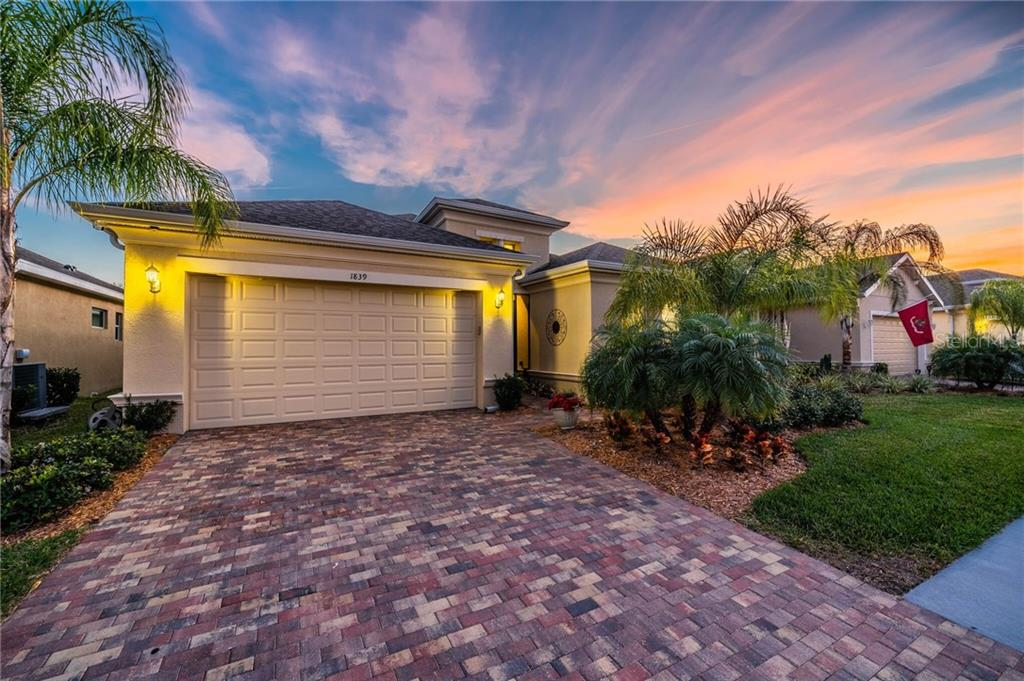 1839 PACIFIC DUNES DRIVE Property Photo - SUN CITY CENTER, FL real estate listing