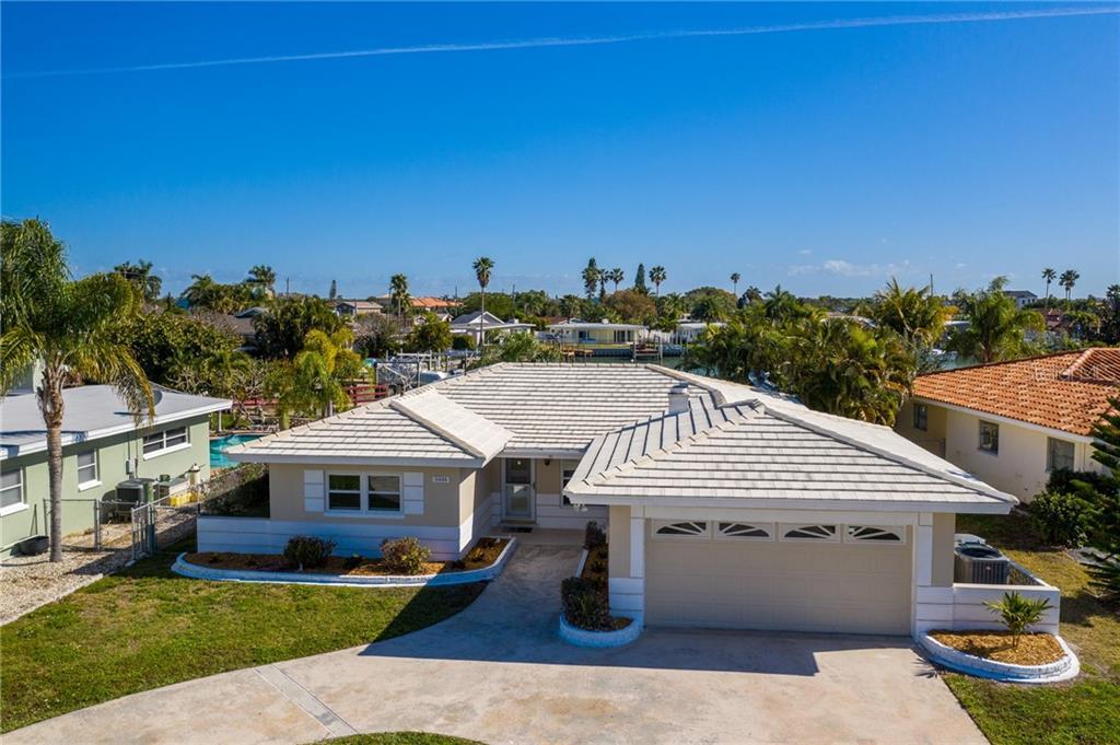 11425 5TH STREET E Property Photo - TREASURE ISLAND, FL real estate listing