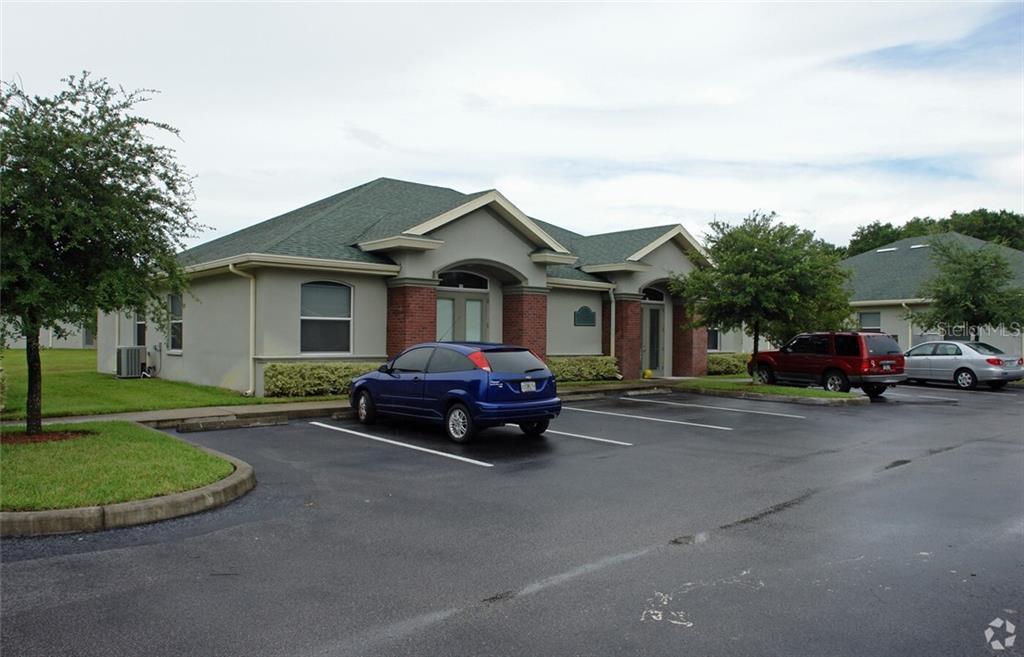 214 CRYSTAL GROVE BLVD Property Photo - LUTZ, FL real estate listing