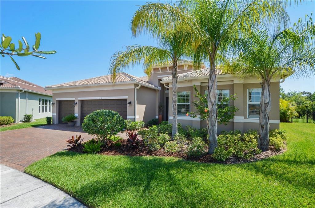 5037 EMERALD ISLE DR Property Photo - WIMAUMA, FL real estate listing