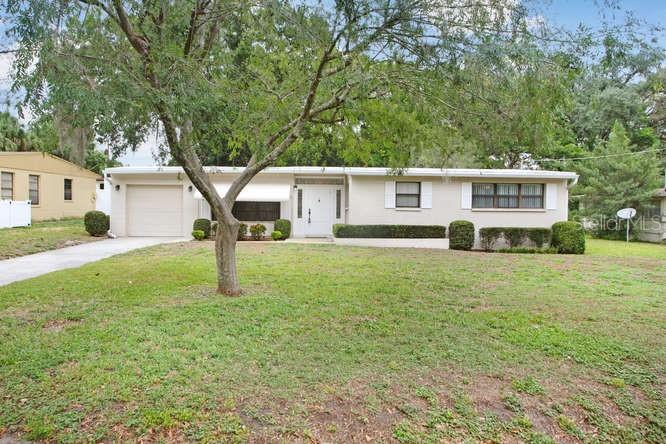 210 LINDA AVENUE Property Photo - TEMPLE TERRACE, FL real estate listing