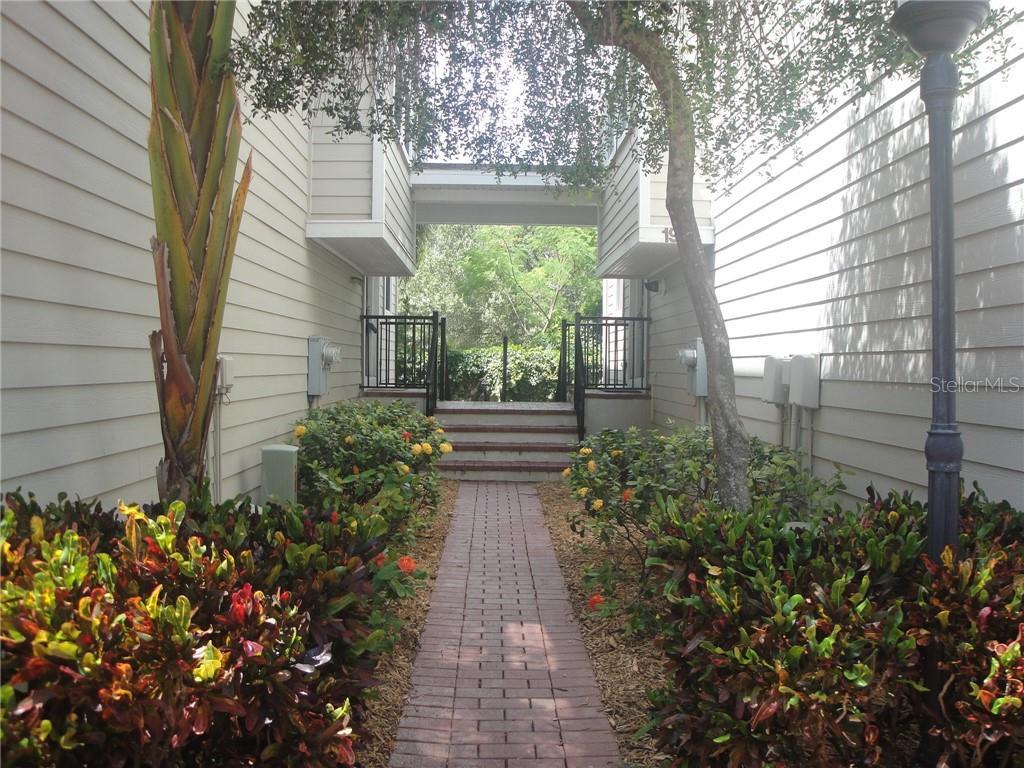 3315 DE LEON ST #19 Property Photo - TAMPA, FL real estate listing