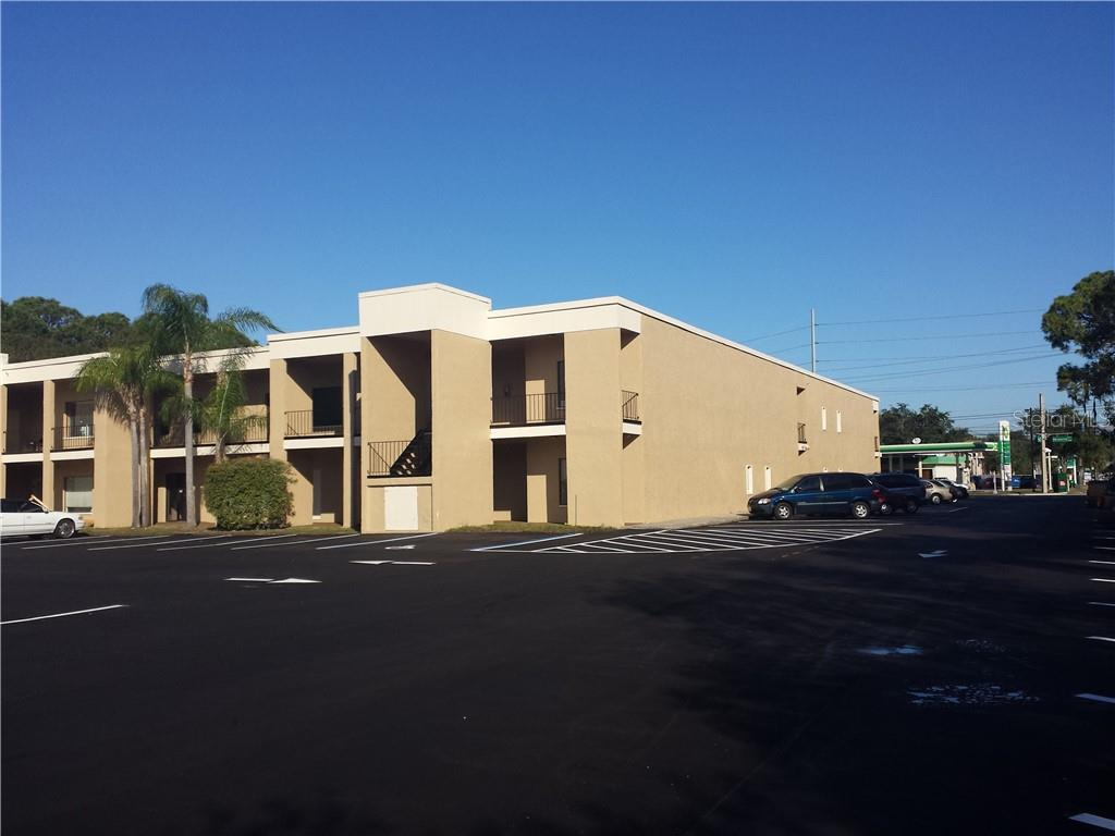 5700 MEMORIAL HIGHWAY Property Photo - TAMPA, FL real estate listing