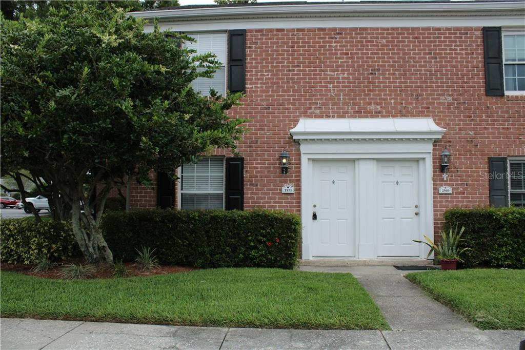 2571 CEDAR CYPRESS COURT #A Property Photo - TAMPA, FL real estate listing