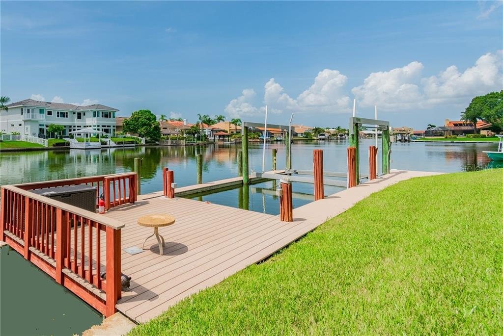 4812 LONGWATER WAY Property Photo - TAMPA, FL real estate listing