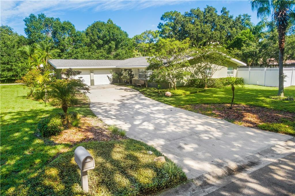 5129 ROLLING HILLS CT Property Photo - TEMPLE TERRACE, FL real estate listing