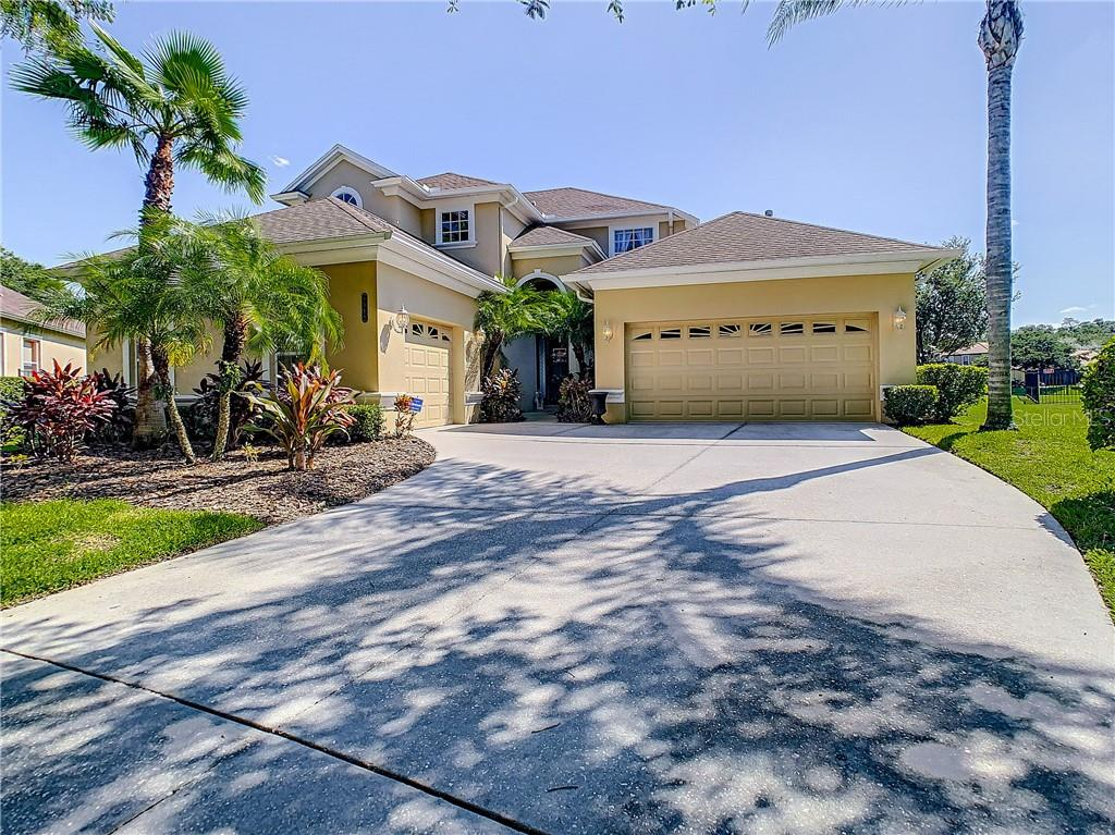 8016 CYPRESS CROSSING CT Property Photo - TAMPA, FL real estate listing