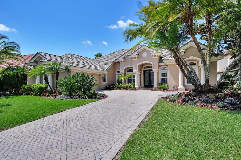 11818 SHIRE WYCLIFFE CT Property Photo - TAMPA, FL real estate listing