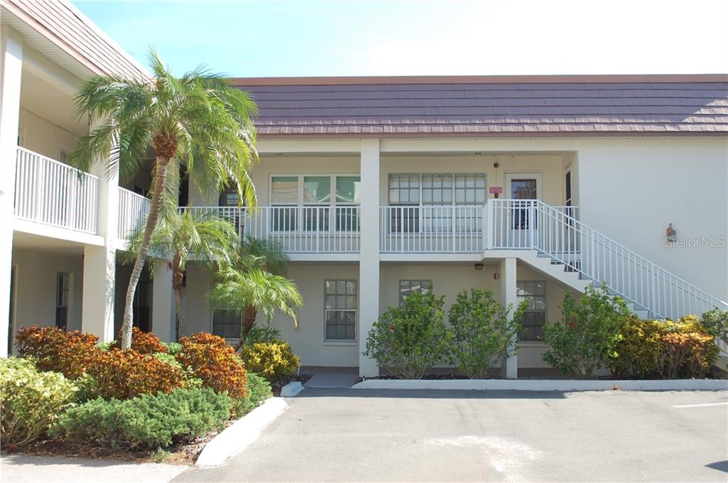 333 ISLAND WAY #205 Property Photo - CLEARWATER, FL real estate listing