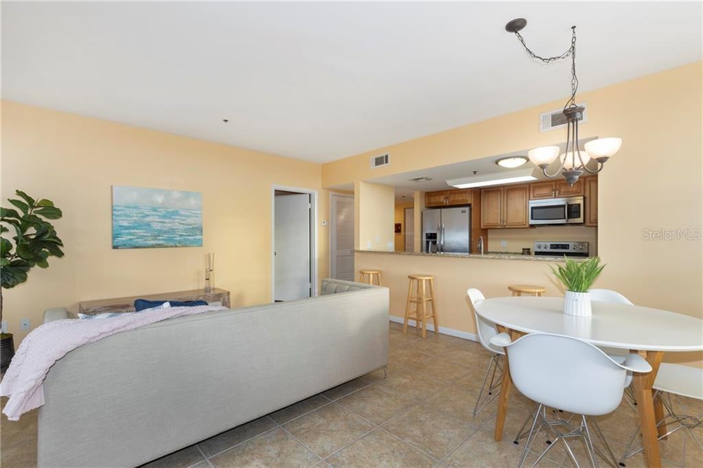 408 W UNIVERSITY AVE #7D Property Photo - GAINESVILLE, FL real estate listing