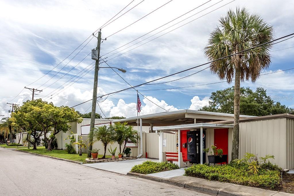 5024 W INGRAHAM ST Property Photo - TAMPA, FL real estate listing