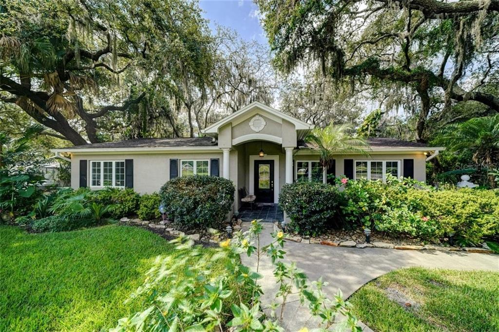 401 BRENTWOOD DR Property Photo - TEMPLE TERRACE, FL real estate listing