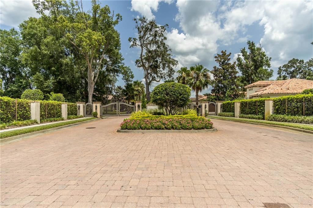 1811 BELLA LAGO LN Property Photo - TAMPA, FL real estate listing