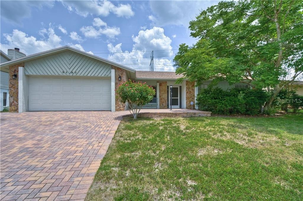 9401 WOODLAND RIDGE DR Property Photo - TEMPLE TERRACE, FL real estate listing