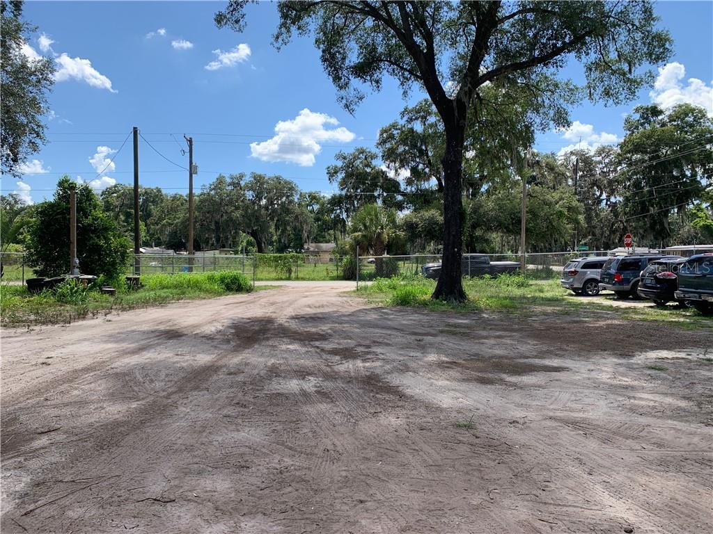 10603 Main Street Property Photo