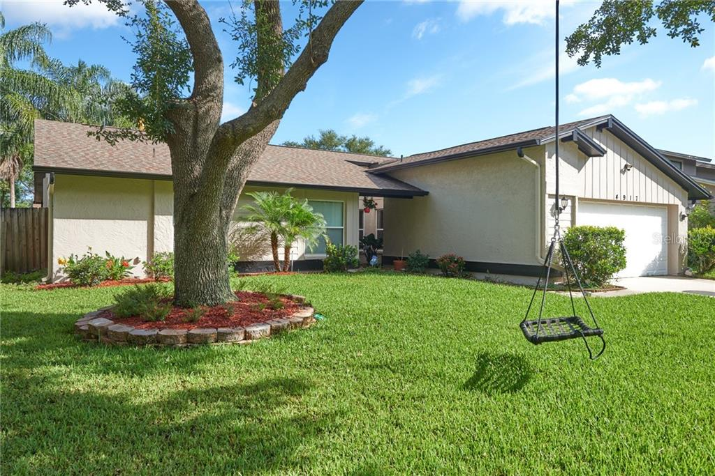 4917 PENNSBURY DR Property Photo - TAMPA, FL real estate listing