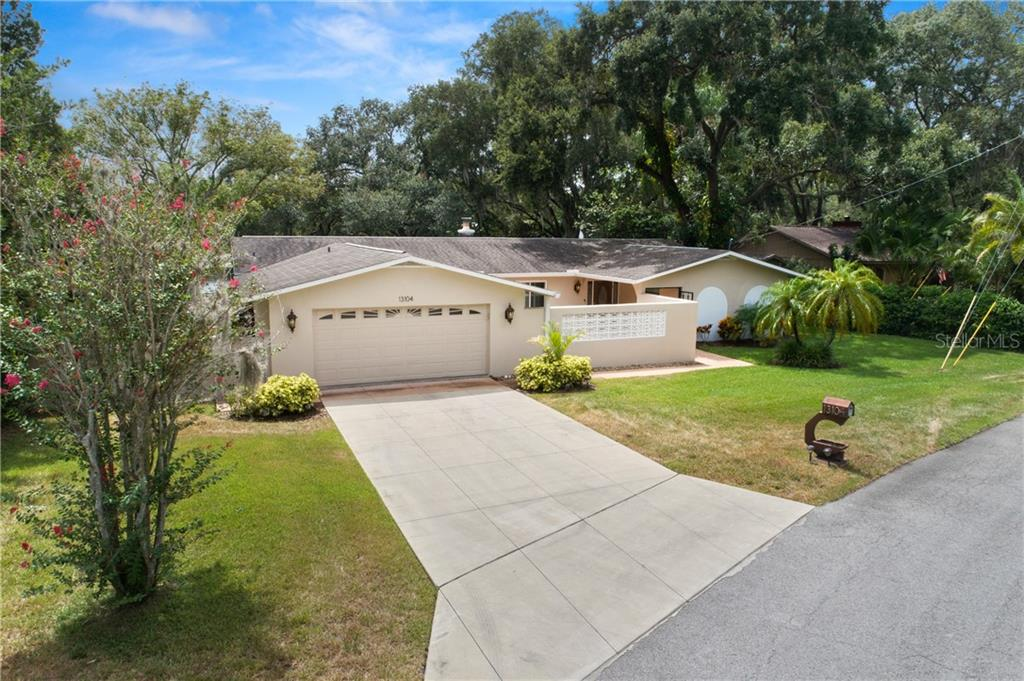 13104 TOWNSEND LN Property Photo - TAMPA, FL real estate listing