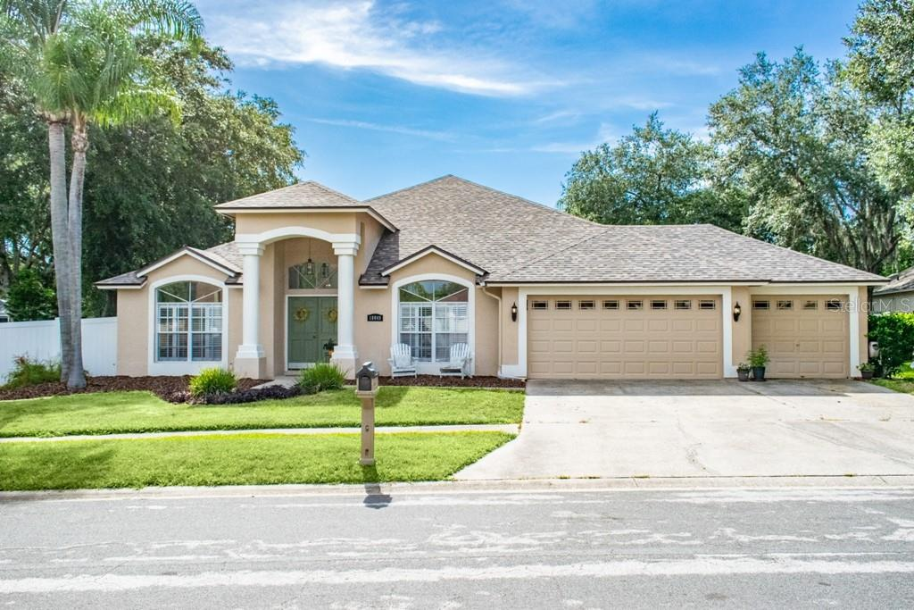 10049 CYPRESS SHADOW AVE Property Photo - TAMPA, FL real estate listing