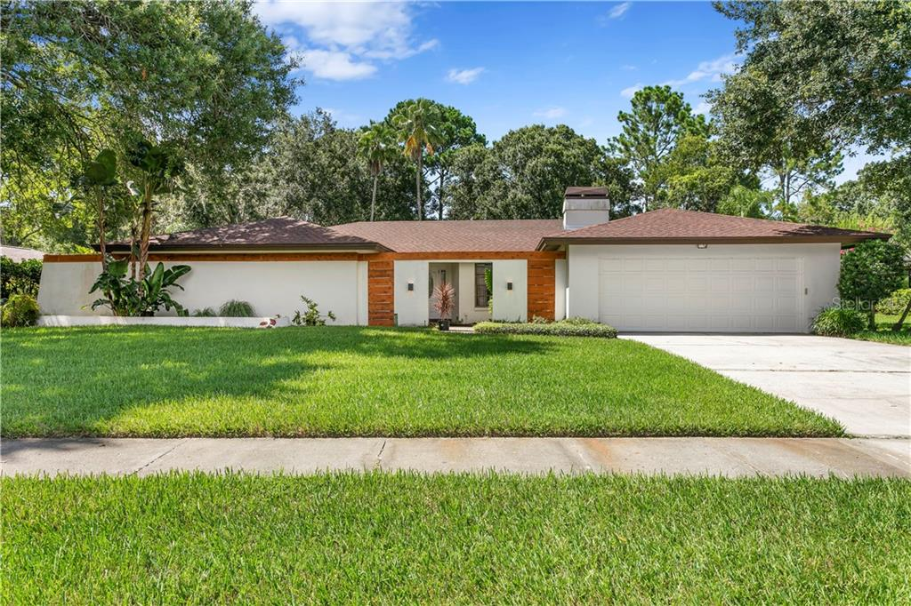 4307 MIDDLE LAKE DR Property Photo - TAMPA, FL real estate listing