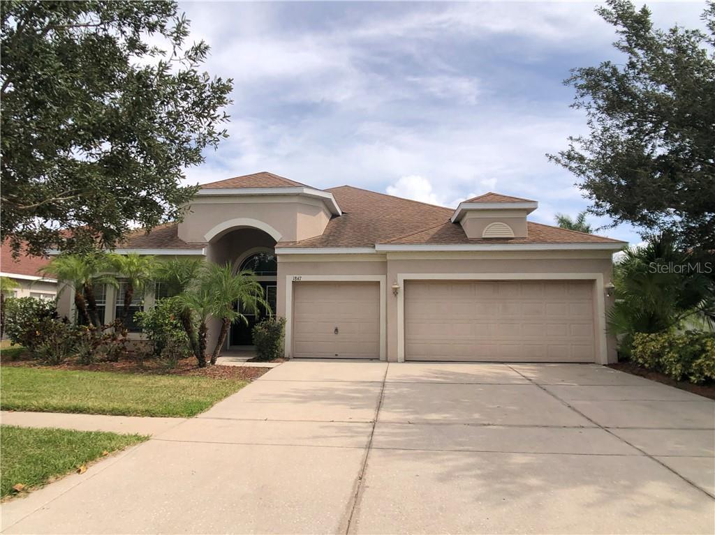 1847 MIRA LAGO CIR Property Photo - RUSKIN, FL real estate listing