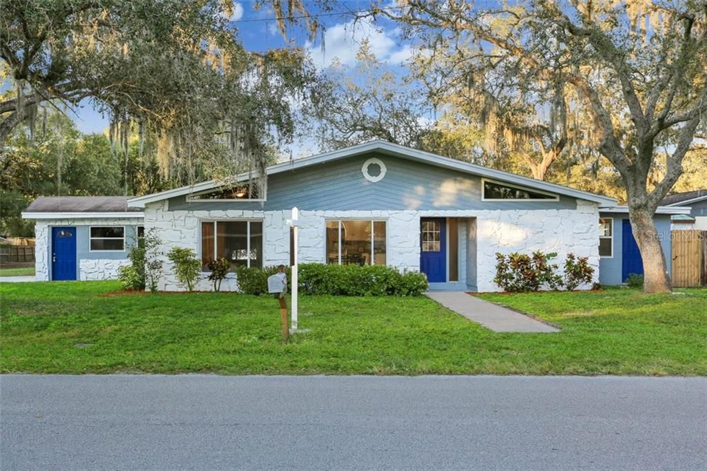 2105 S VILLAGE AVE Property Photo - TAMPA, FL real estate listing