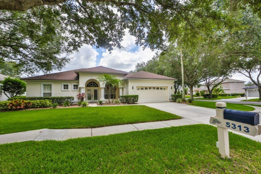 5313 TWIN CREEKS DRIVE Property Photo - VALRICO, FL real estate listing