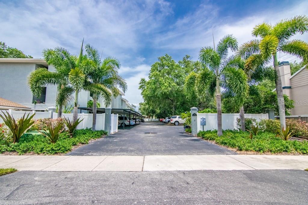 3820 W AZEELE STREET #204 Property Photo - TAMPA, FL real estate listing