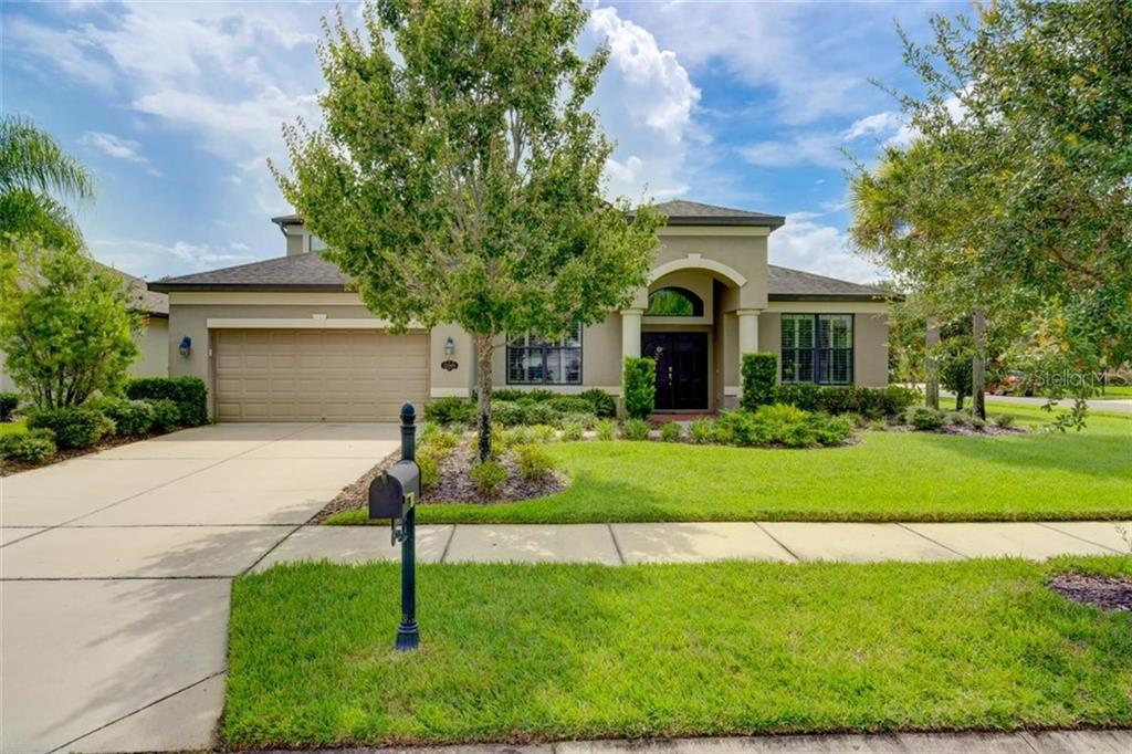 15606 HAMPTON VILLAGE DR Property Photo - TAMPA, FL real estate listing