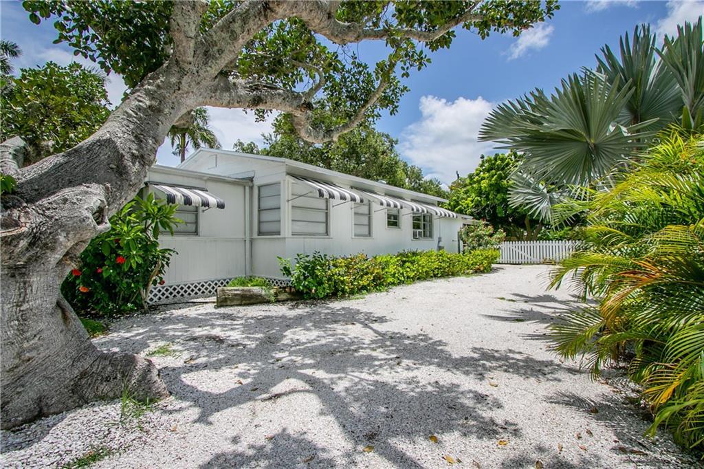 421 PINE AVENUE Property Photo - ANNA MARIA, FL real estate listing
