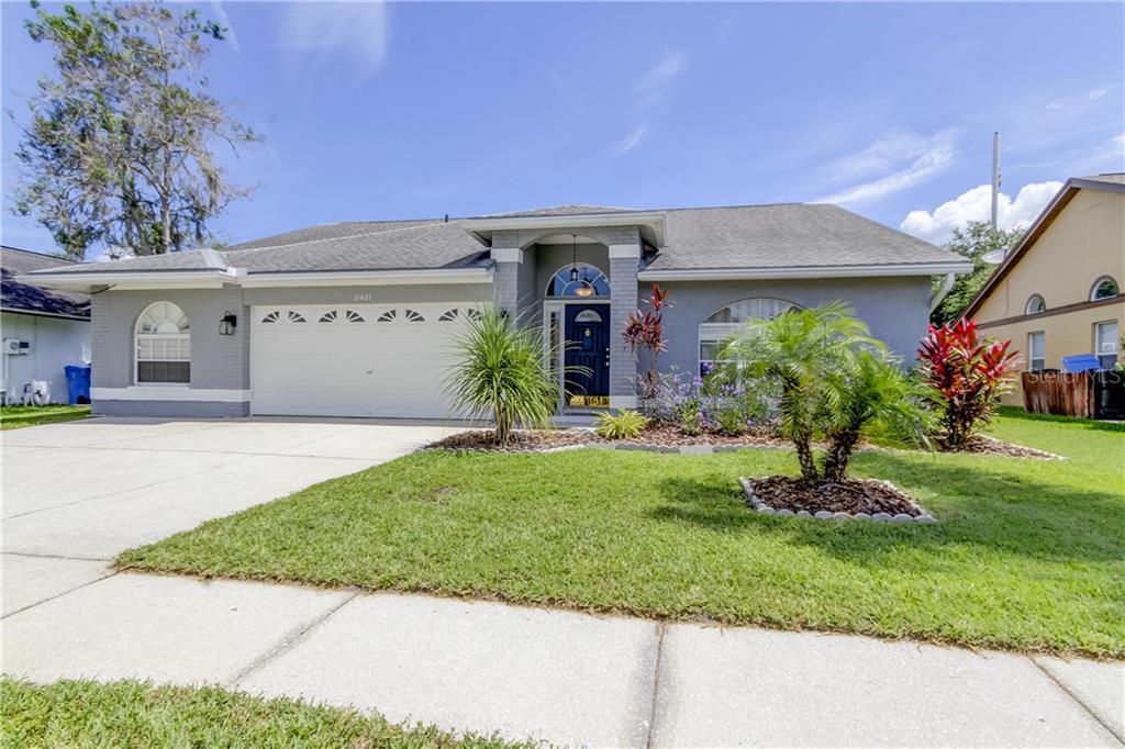 11421 GLENMONT DRIVE Property Photo - TAMPA, FL real estate listing