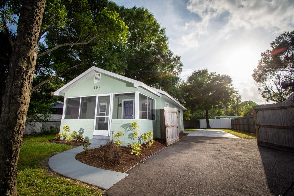 608 N LINCOLN AVENUE Property Photo - TAMPA, FL real estate listing