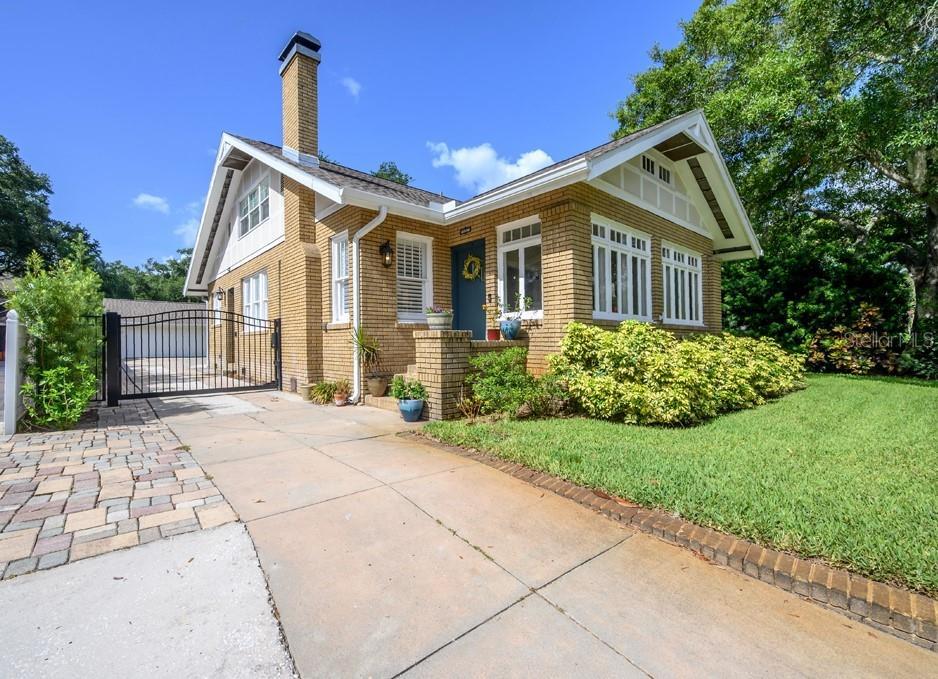 4108 W AZEELE ST Property Photo - TAMPA, FL real estate listing