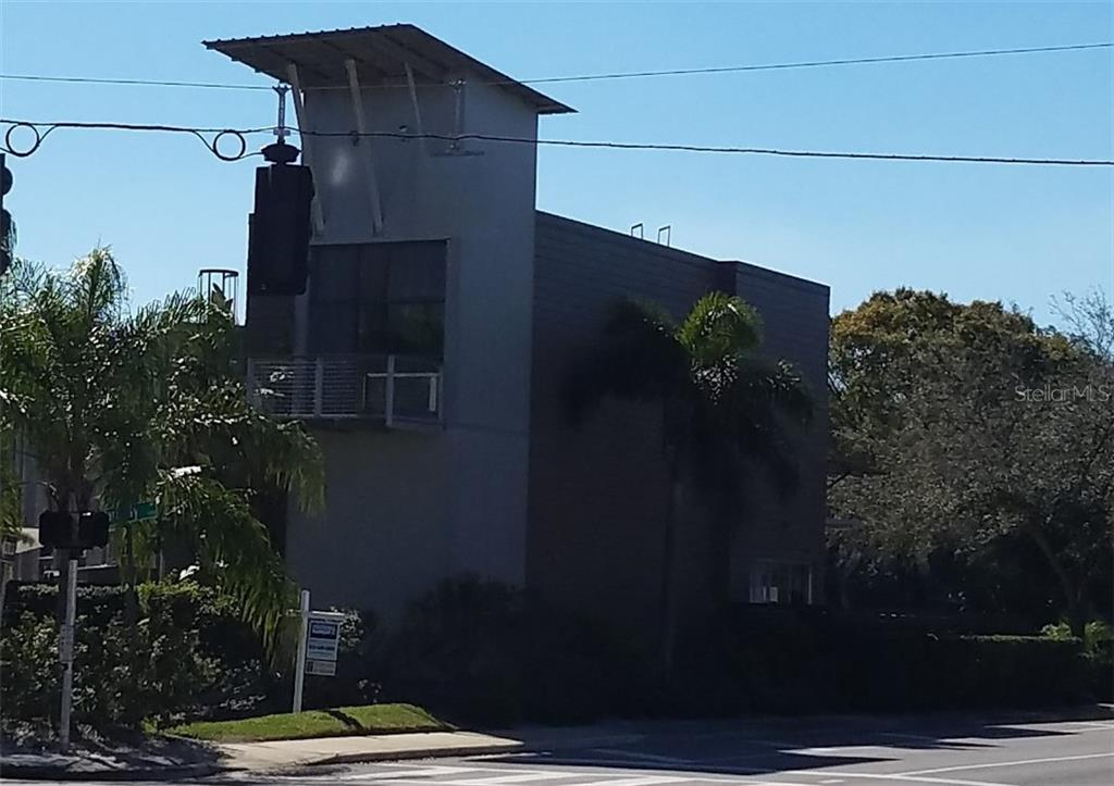 2515 W AZEELE ST Property Photo - TAMPA, FL real estate listing