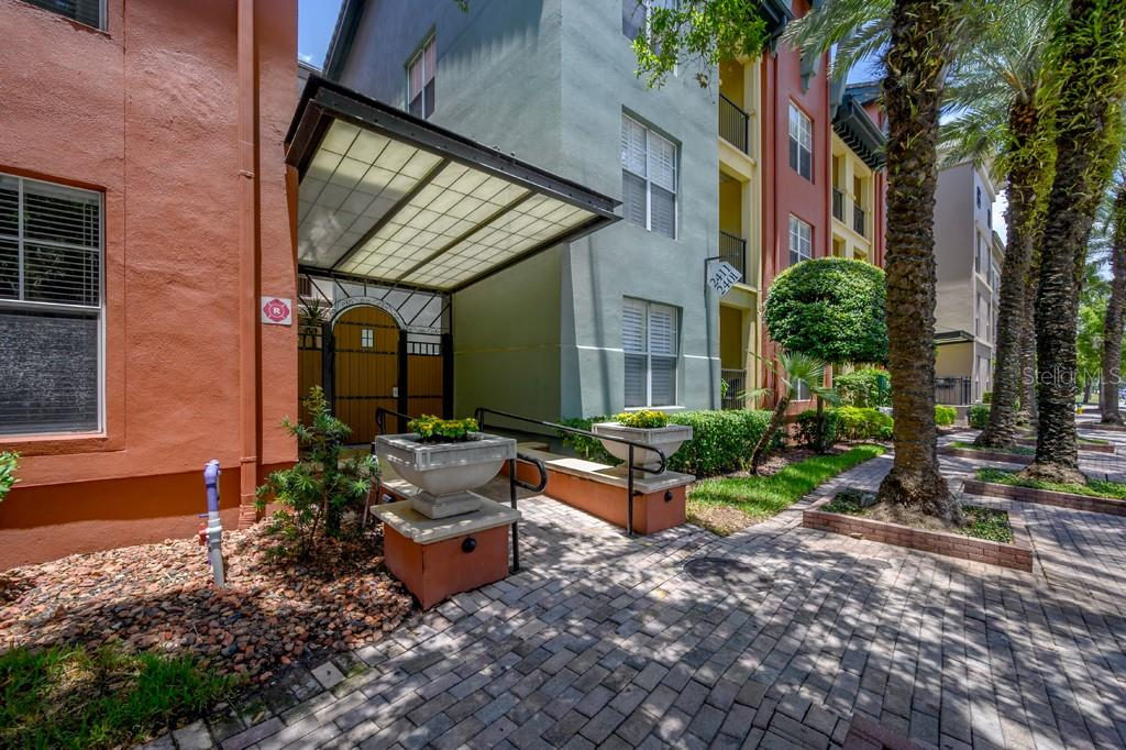 2320 W AZEELE ST #317 Property Photo - TAMPA, FL real estate listing