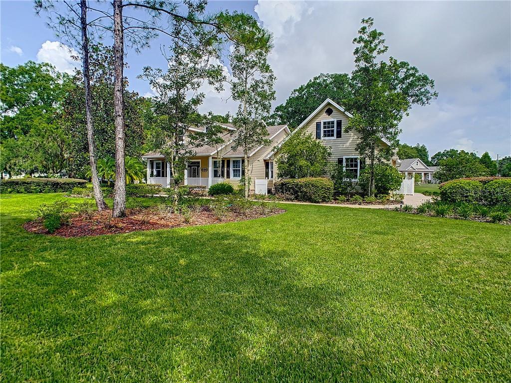921 LAKE CHARLES CIRCLE Property Photo - LUTZ, FL real estate listing