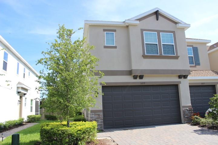 3219 PAINTED BLOSSOM CT Property Photo - LUTZ, FL real estate listing