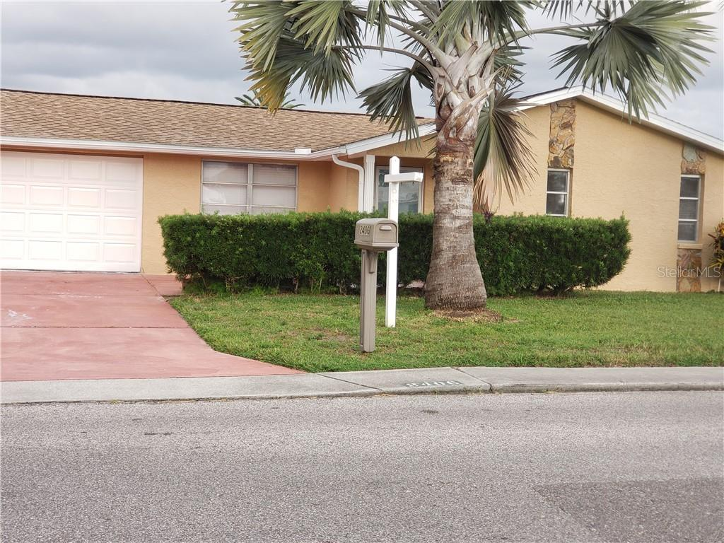 2406 SOCIETY DRIVE Property Photo - HOLIDAY, FL real estate listing