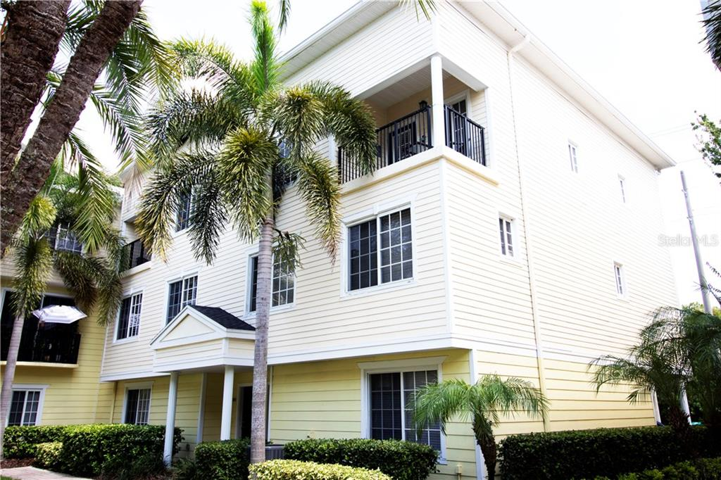9733 MEADOW FIELD CIRCLE Property Photo - TAMPA, FL real estate listing
