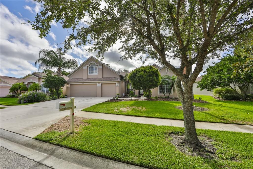 5812 WYNSTONE LANE Property Photo - ZEPHYRHILLS, FL real estate listing