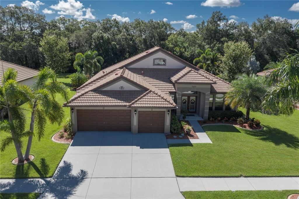 328 COCKLE SHELL LOOP Property Photo - APOLLO BEACH, FL real estate listing