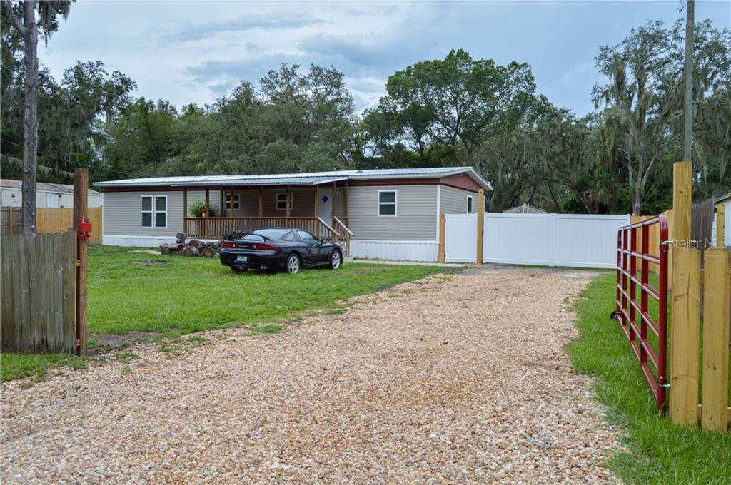 833 ETHYL STREET Property Photo - BRANDON, FL real estate listing