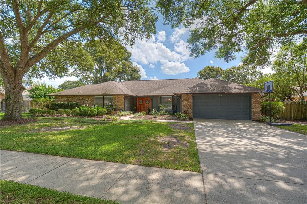 10911 VICTORIA ARBOR WAY Property Photo - TEMPLE TERRACE, FL real estate listing