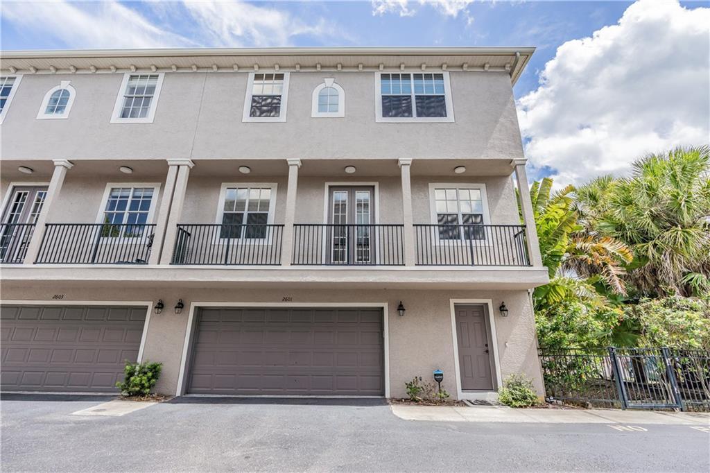 2601 ESPANA CT Property Photo - TAMPA, FL real estate listing