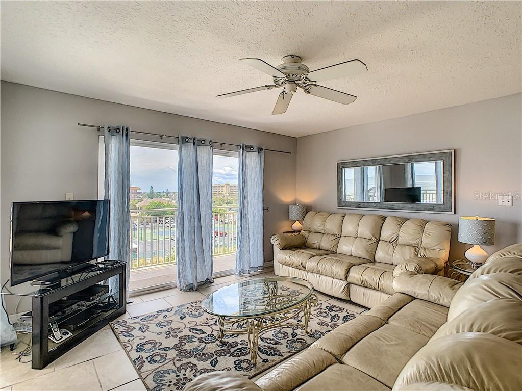 17450 GULF BOULEVARD #307 Property Photo - REDINGTON SHORES, FL real estate listing