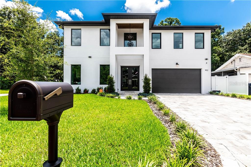 902 W PLYMOUTH ST Property Photo - TAMPA, FL real estate listing