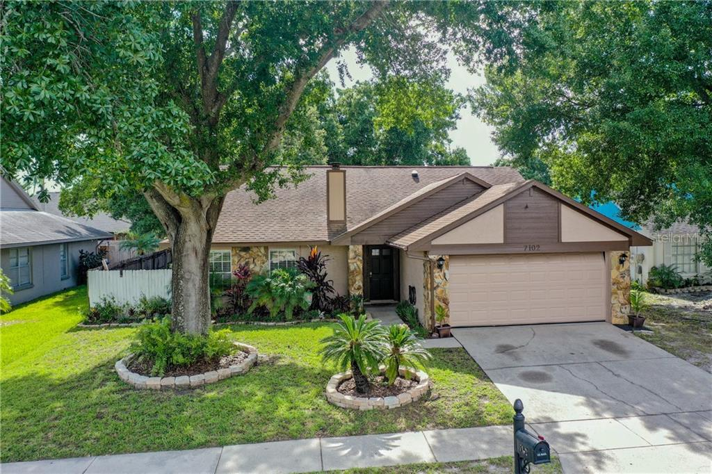7102 HOLLOWELL DRIVE Property Photo - TAMPA, FL real estate listing