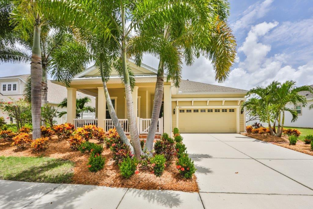 521 MANNS HARBOR DR Property Photo - APOLLO BEACH, FL real estate listing