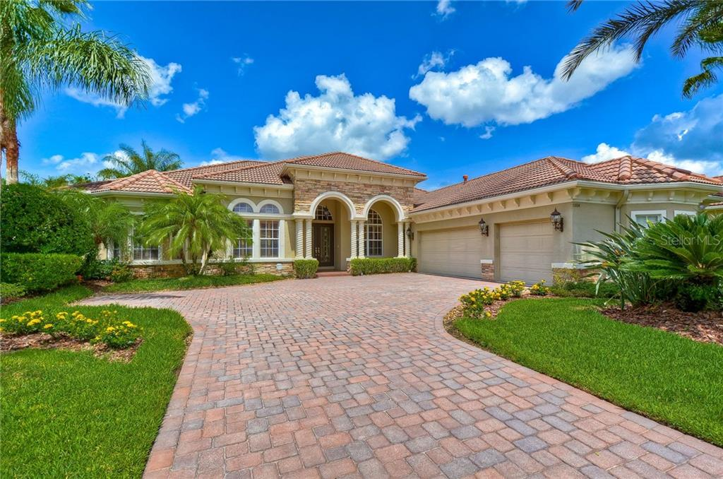 11804 SHIRE WYCLIFFE CT Property Photo - TAMPA, FL real estate listing